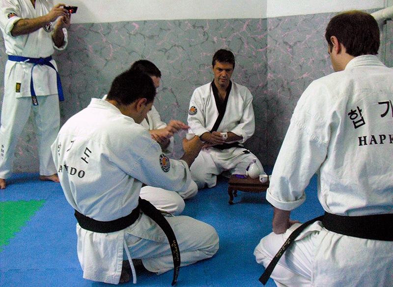 Cinturones negros - Ceremonia del té